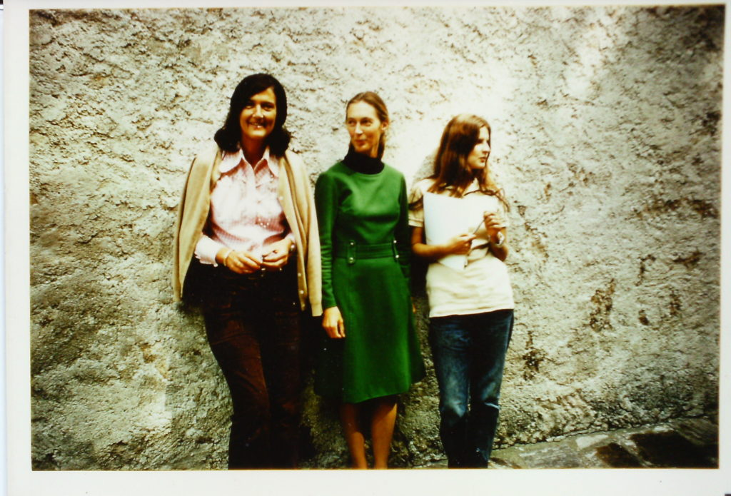 From left to right stands Dian Fossey, Jane Goodall, and Birute Galdikas